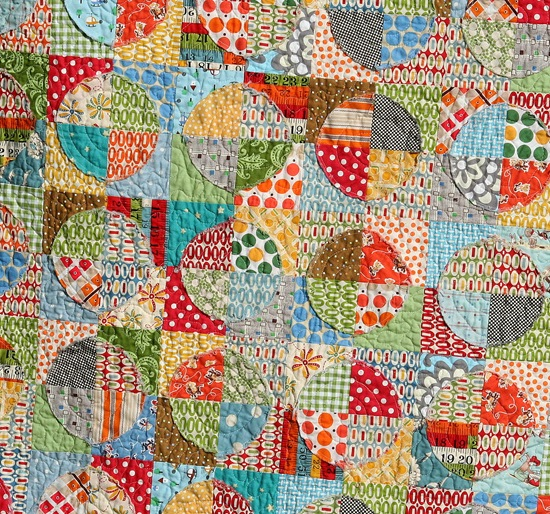 Raw Edge Circle Quilt Cluck Cluck Sew