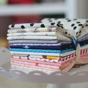 This fat quarter bundle is amysinibaldi !!! Related
