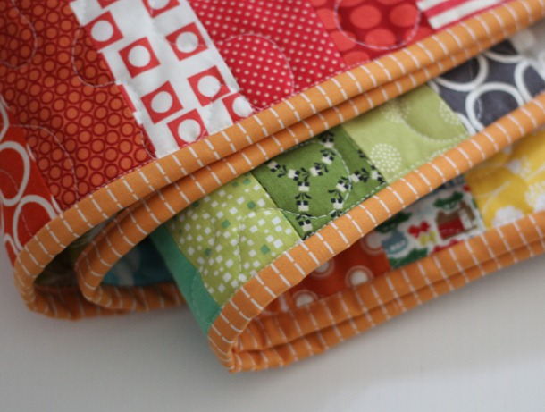 Machine Binding Tutorial | Cluck Cluck Sew : applying quilt binding - Adamdwight.com