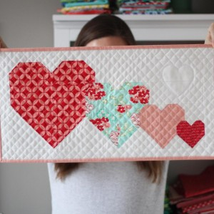 A free mini quilt pattern on the blog today! Linkhellip