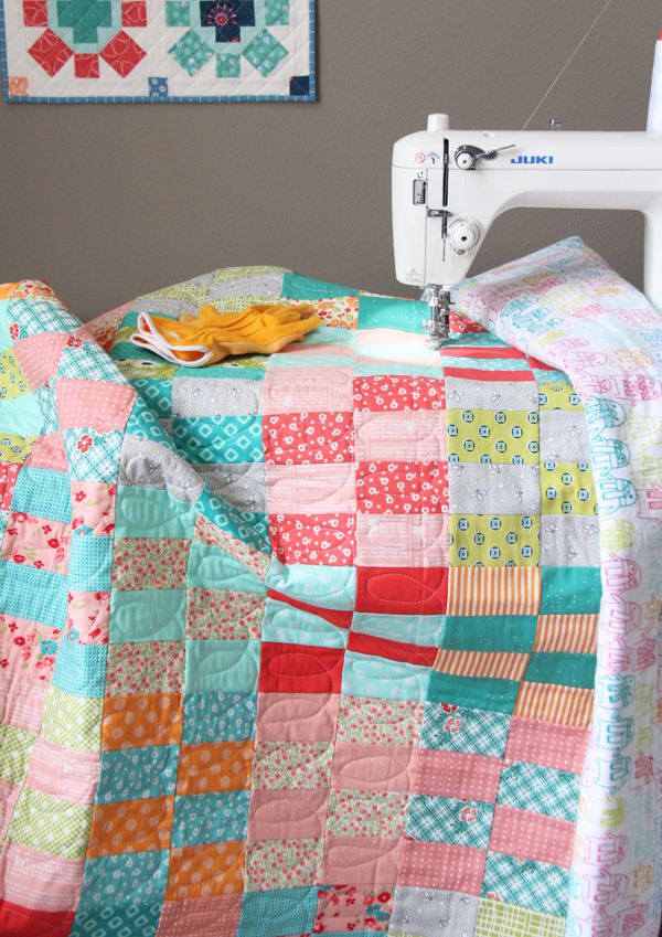 Easy Jelly Roll Quilt with Free Tutorial