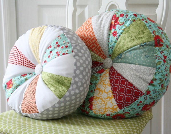 Sprocket Pillow free pattern