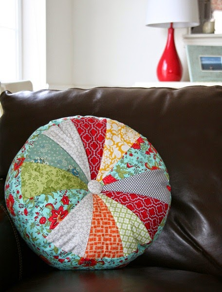 sprocket pillows tutorial | cluck cluck sew Making Cushions and Pillows