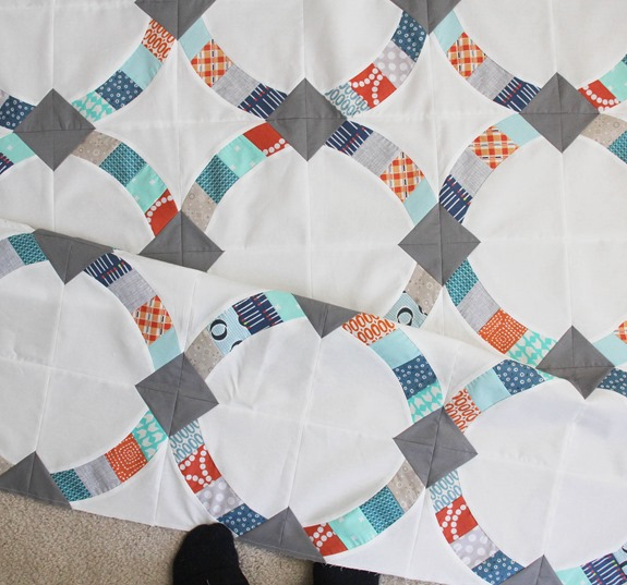 Metro Hoops Quilt, Cluck Cluck Sew_thumb[2]