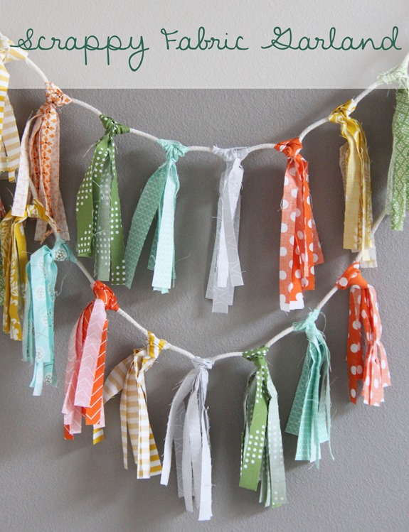 Tutorial - Scrappy Fabric Garland_thumb[2]