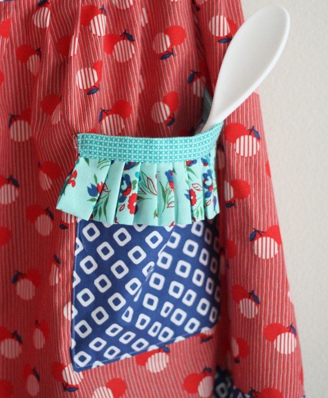 Apron in Dixie for Windham Fabrics