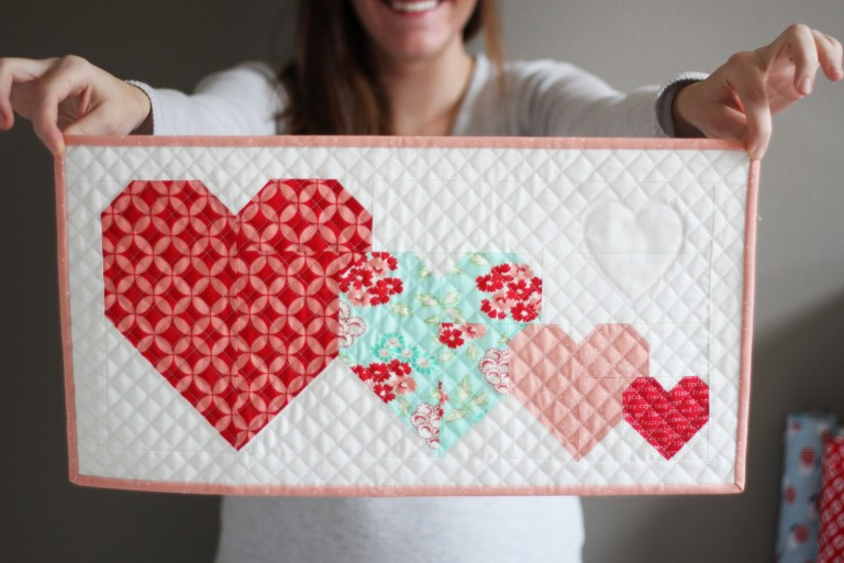 I Heart You free mini quilt pattern