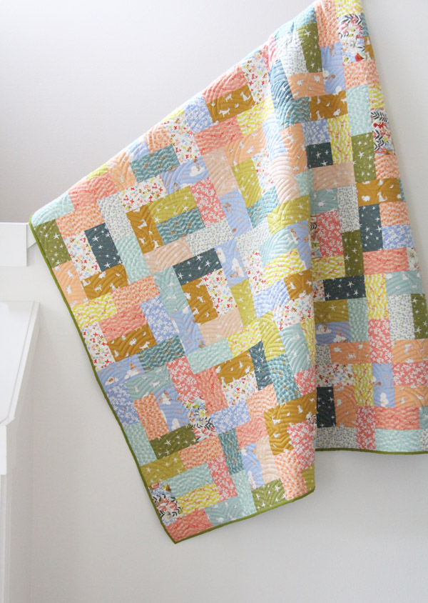 Fat Quarter Friday Quilt, easy beginner pattern for fat quarters